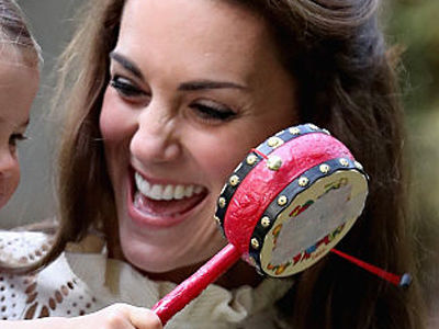 These Are the BEST Pics of Princess Charlotte & Prince George Yet -- Having a BLAST on Canada…