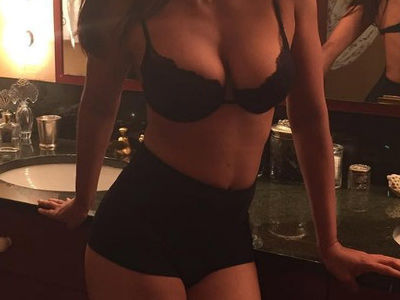 46 & Fiiiiiine! See Which Reality Star Proved Moms Can Be SEXY In This Revealing Selfie