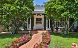 Goldie Hawn and Kurt Russell -- Pacific Palisades Pad For Sale