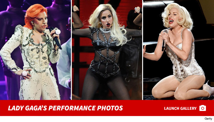 lady_gaga_performance_footer