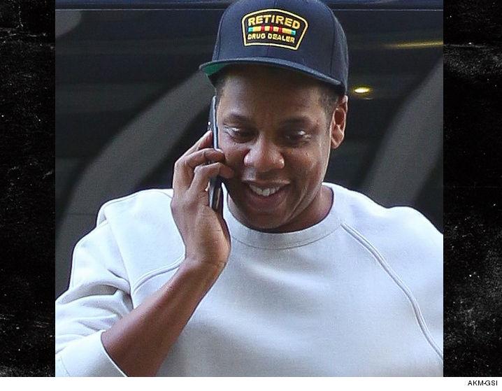 1005_Jay-Z-in-nyc-retired-drug-dealer-hat_AKM-GSI