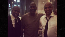 Michael Jordan -- Olive Branch to Charles Barkley ... Beef Squashed? (PHOTO)