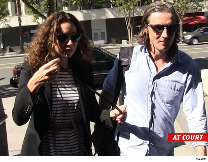 1019_minnie-driver_at_court_tmz