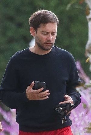 Tobey Maguire -- Pensive and Scruffy Post-Split With Wife