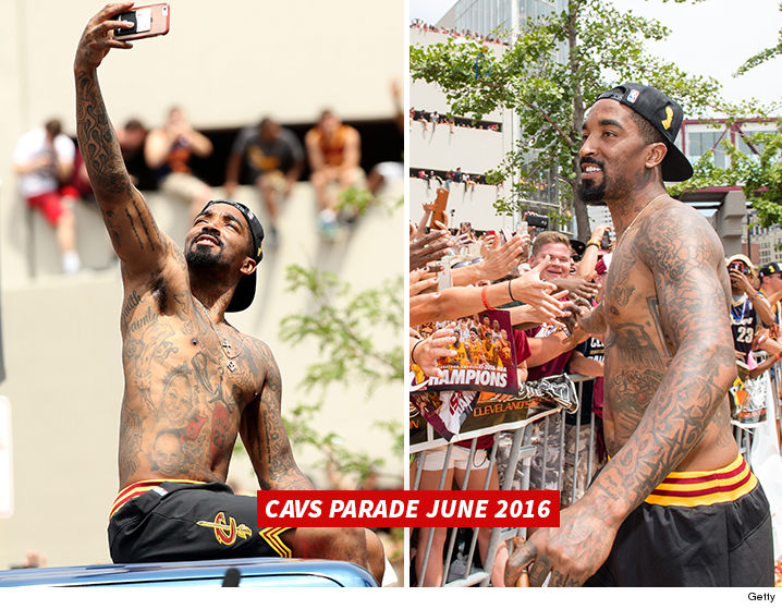 1110-jr-smith-shirtless-cavs-parade-GETTY-01