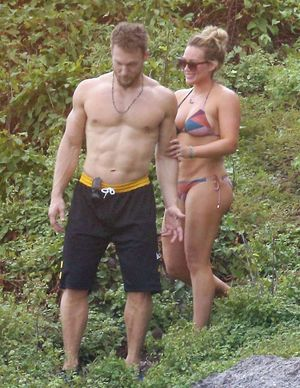 Hilary Duff and Jason Walsh -- Hot Mexico Vacation