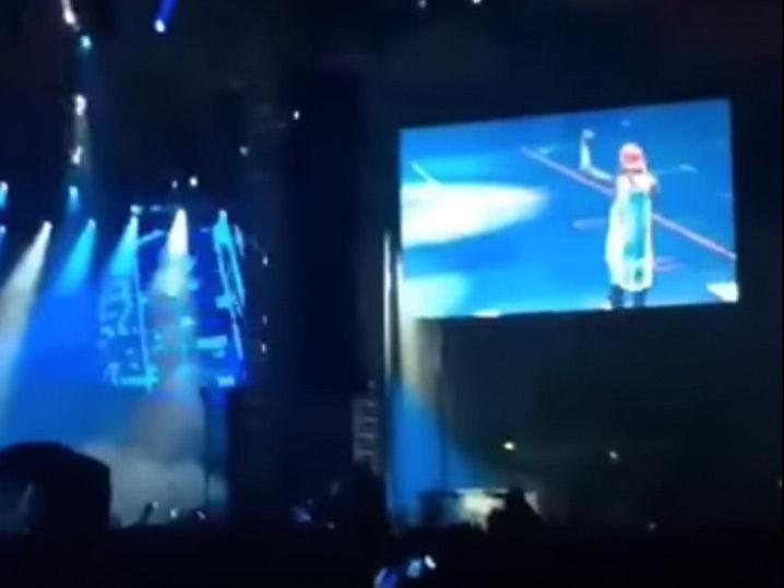 Lil Wayne's Onstage Message to Birdman, I'm with Jay Z Now ...