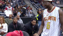 Gucci Mane -- Proposes On NBA Kiss Cam ... Look At That ROCK!!! (VIDEO)