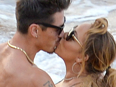 Mariah Carey Kisses HOT Younger Dancer -- And Wait'll You See Nick Cannon's Reaction!