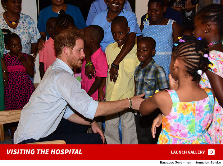 1201_prince_Harry_Hospital_visit_photos