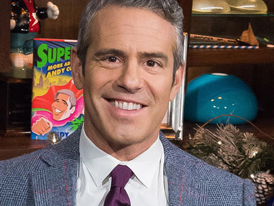 "Andy Cohen Reveals His LEAST FAVORITE ""Watch What Happens Live"" Guest ... & Smelliest Celeb!"