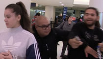 Hailee Steinfeld -- Autograph Hound Needs Ambulance After Lamest Shove Ever (VIDEOS)