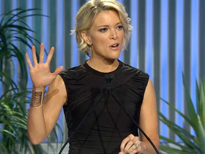 "Megyn Kelly BOOED by BIG Star While Praising Trump -- See Who Screamed ""F--- Him!"""