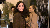 Courteney Cox & Jennifer Meyer -- Double-Dip Buds (VIDEO)