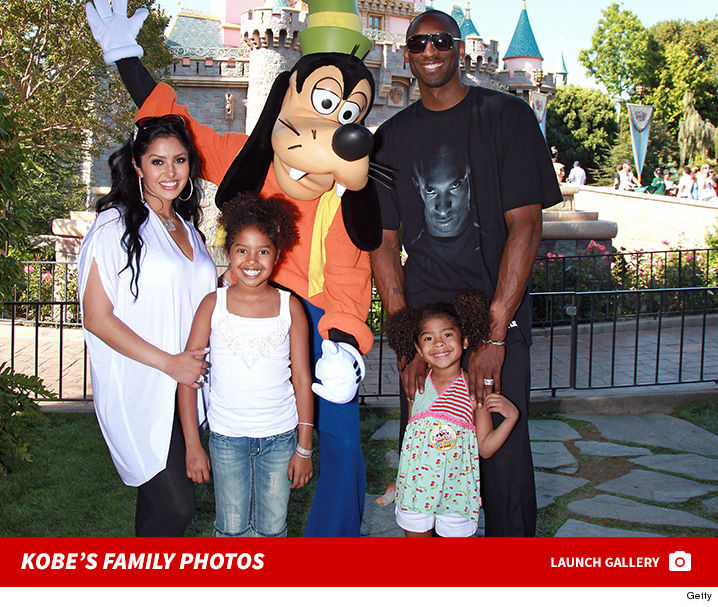 1209_kobe_bryant_family_photos