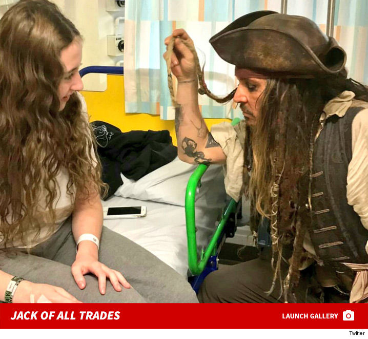1209_Johnny-Depp-Jack-Sparrow-Childrens-Hospital-launch