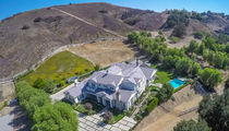 Kylie Jenner Rents Hidden Hills Home to Rob & Blac Chyna (PHOTOS)