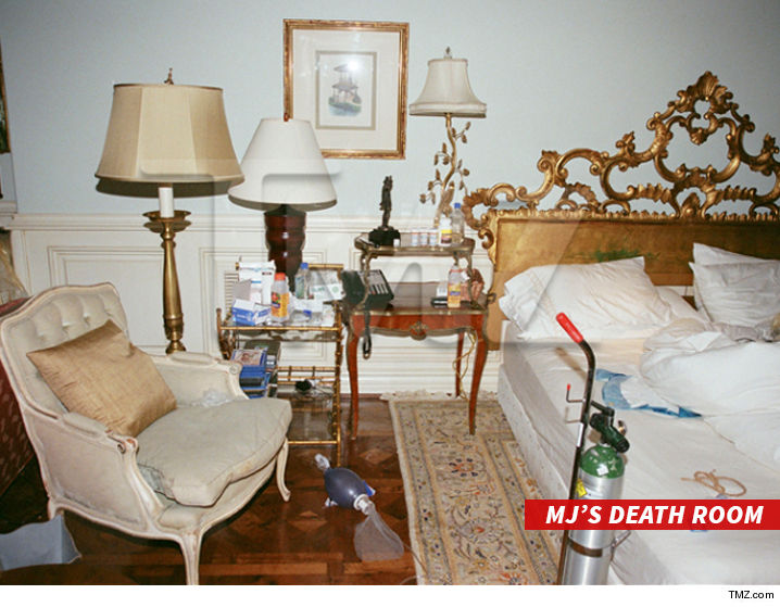 1215_MJ-Death-Room_chair_tmz-3