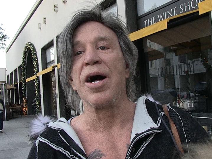 Mickey Rourke Wants Vi...
