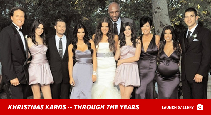 1222_kardashian_xmas_cards_years_footer