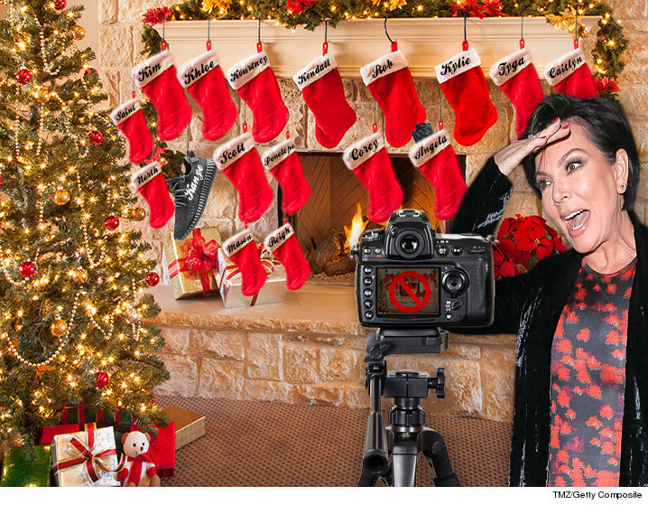 1222-kardashian-xmas-card-tmz-getty-02