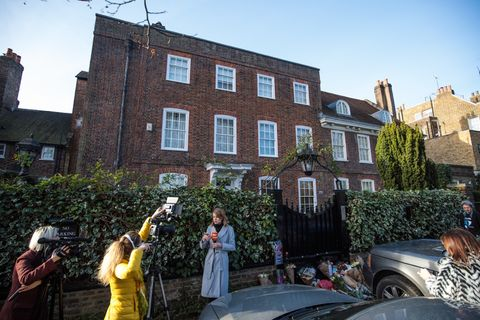 outside george michael 39 s home photo 1