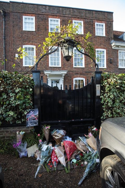 outside george michael 39 s home photo 5