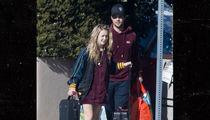 Carrie Fisher's Daughter Seeks Comfort in Taylor Lautner (PHOTO)