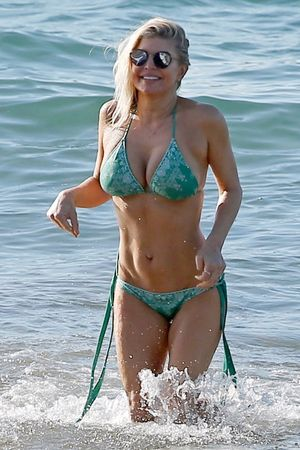 Fergie Goes MILF in Maui