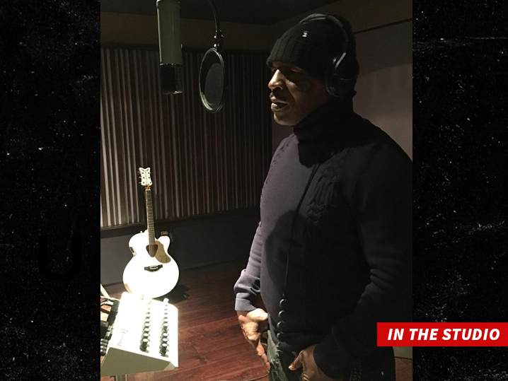 0109-mike-tyson-in-the-studio-INSTAGRAM-01
