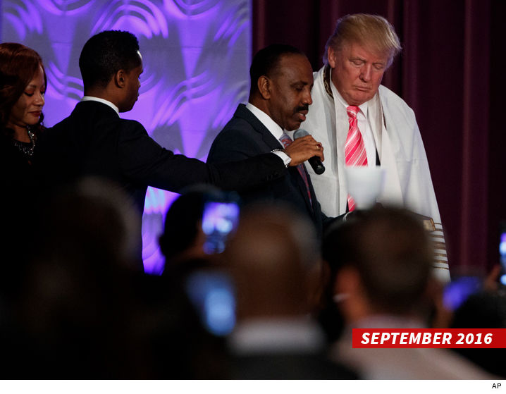 0116_donald_trump_detroit-church-AP