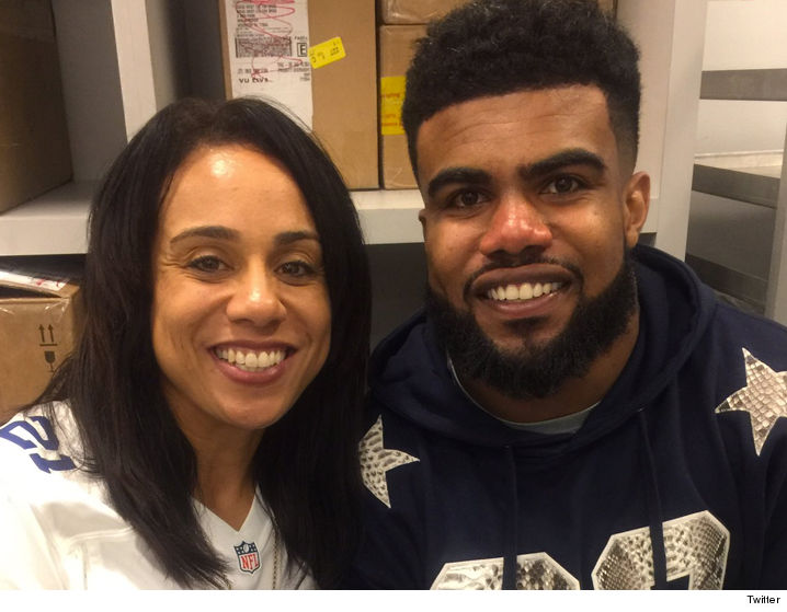 0116-ezekiel-elliott-and-mom-twitter