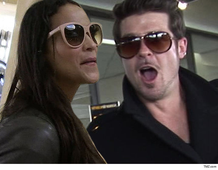 0126_robin_thicke_paula-patton_tmz-3b