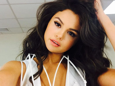 Selena Gomez Just CHOPPED OFF Her Hair -- Check Out Her MUCH Shorter 'Do!