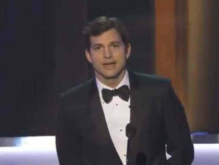 Ashton Kutcher opens SAG Awards taking about 'Muslin Ban ... Ashton Kutcher