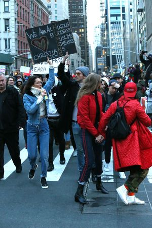 Bella and Gigi Hadid join in the protest against President Trump's immigration ban