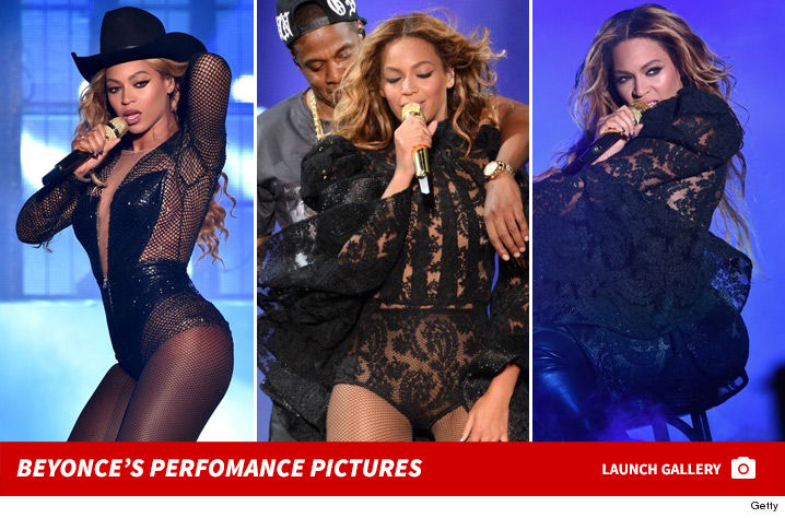 0203-beyonce-performance-pictures-footer
