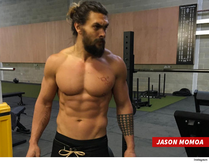 0203-jason-momoa-six-pack-INSTAGRAM-02