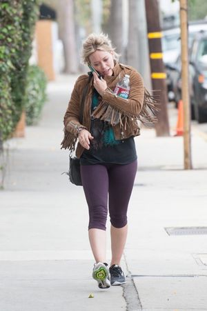 Hilary Duff Sportin' Spandex -- Happy Hump Day!