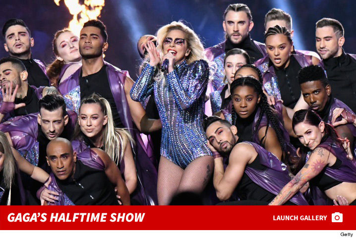 0208-lady-gaga-halftime-show-photos-footer