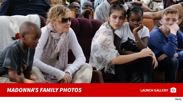 0208_madonna_family_footer