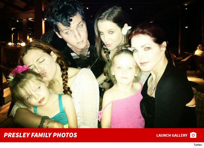 0217-lisa-marie-presley-family-photos-footer