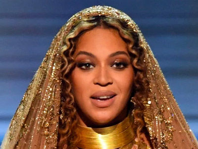 Beyoncé Shares a Shocking Behind-the-Scenes Photo From the Grammys That's Got EVERYBODY Talking