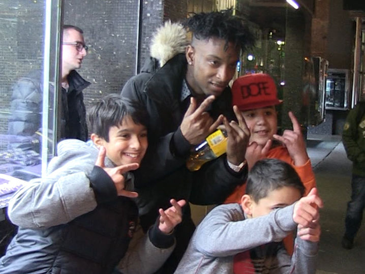 21 savage swarmed by little kids  lays out first tour demands