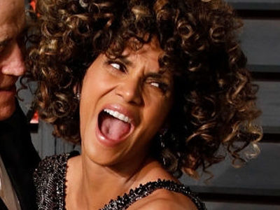 WHOA ... Halle Berry Went SKINNYDIPPING After the Oscars -- And We've Got the Video!