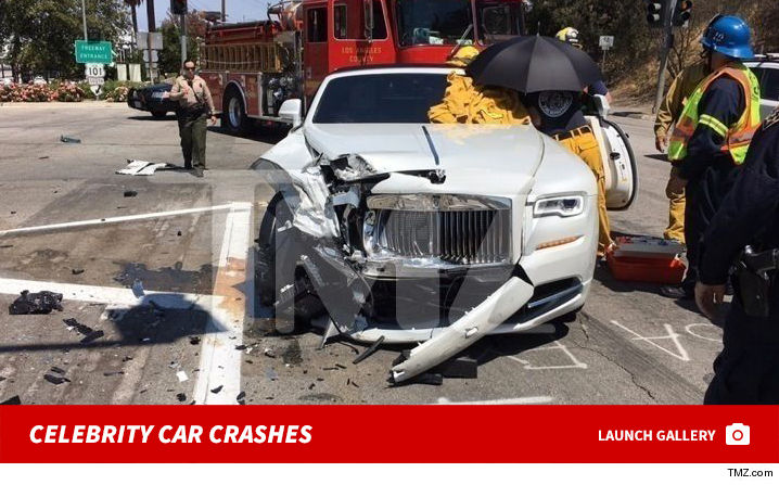 0310_celebrity_car_crashes_footer3