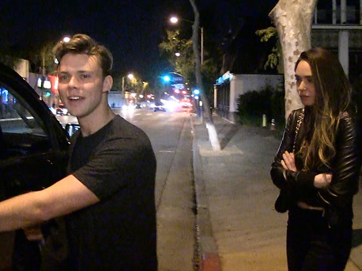 5SOS's Ashton Irwin Says Fans Can Troll His Girl | TMZ.com