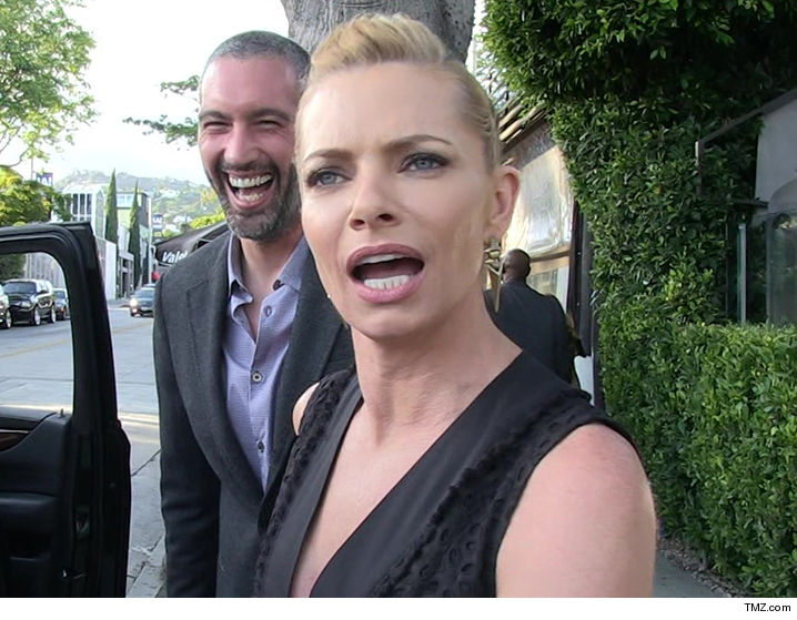 Actress Jaime Pressly's home in Sherman Oaks burglarized