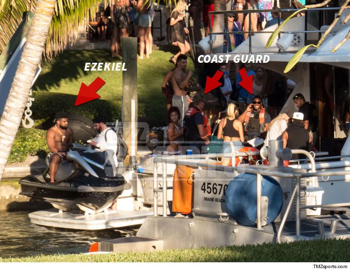 0319-ezekiel-elliott-coast-guard-boat-TMZ-02