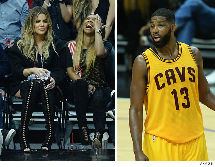 0319-khloe-kardashian-tristan-thompson-ring-cavs-game-AKMGSI-01